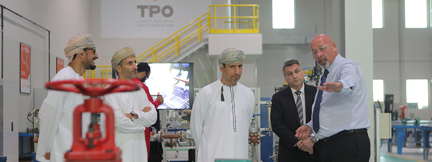 His Excellency, Salim Bin Nasser Bin Said Al-Aufi, is Given a Warm Welcome at TPO-17.jpg